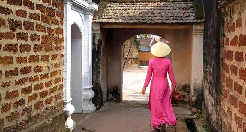 Private Duong Lam Ancient Village Full Day